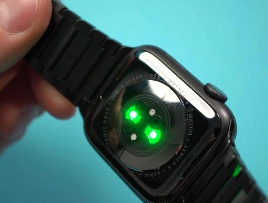 Зелёные светодиоды смарт часов Эппл