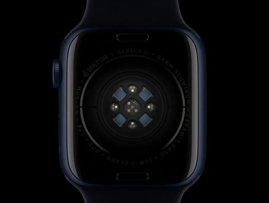 Датчики нижней панели в смарт часах Эппл 6